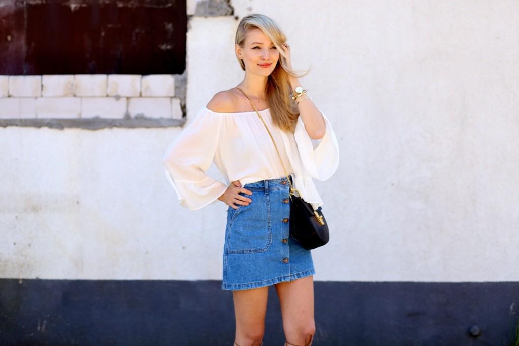 Off-the-shoulder & Denim skirt