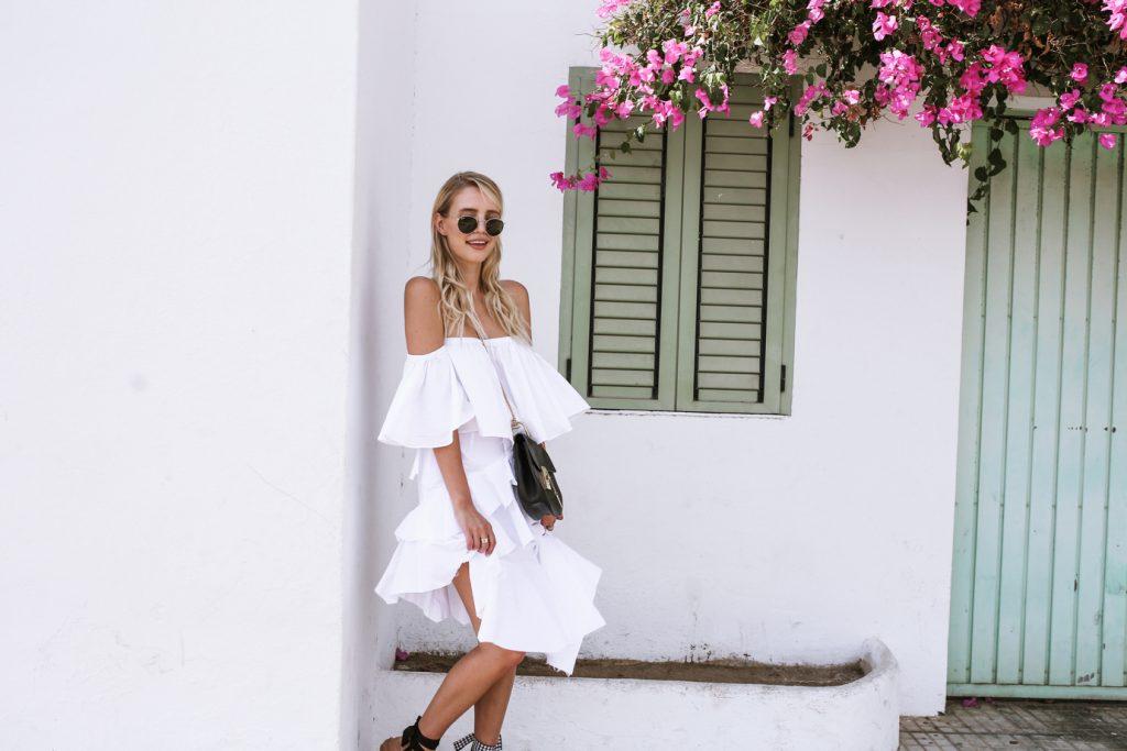 Ibiza_All_white_MiuMiu_ballerinas_Chloe_Drew_ohhcouture – 16