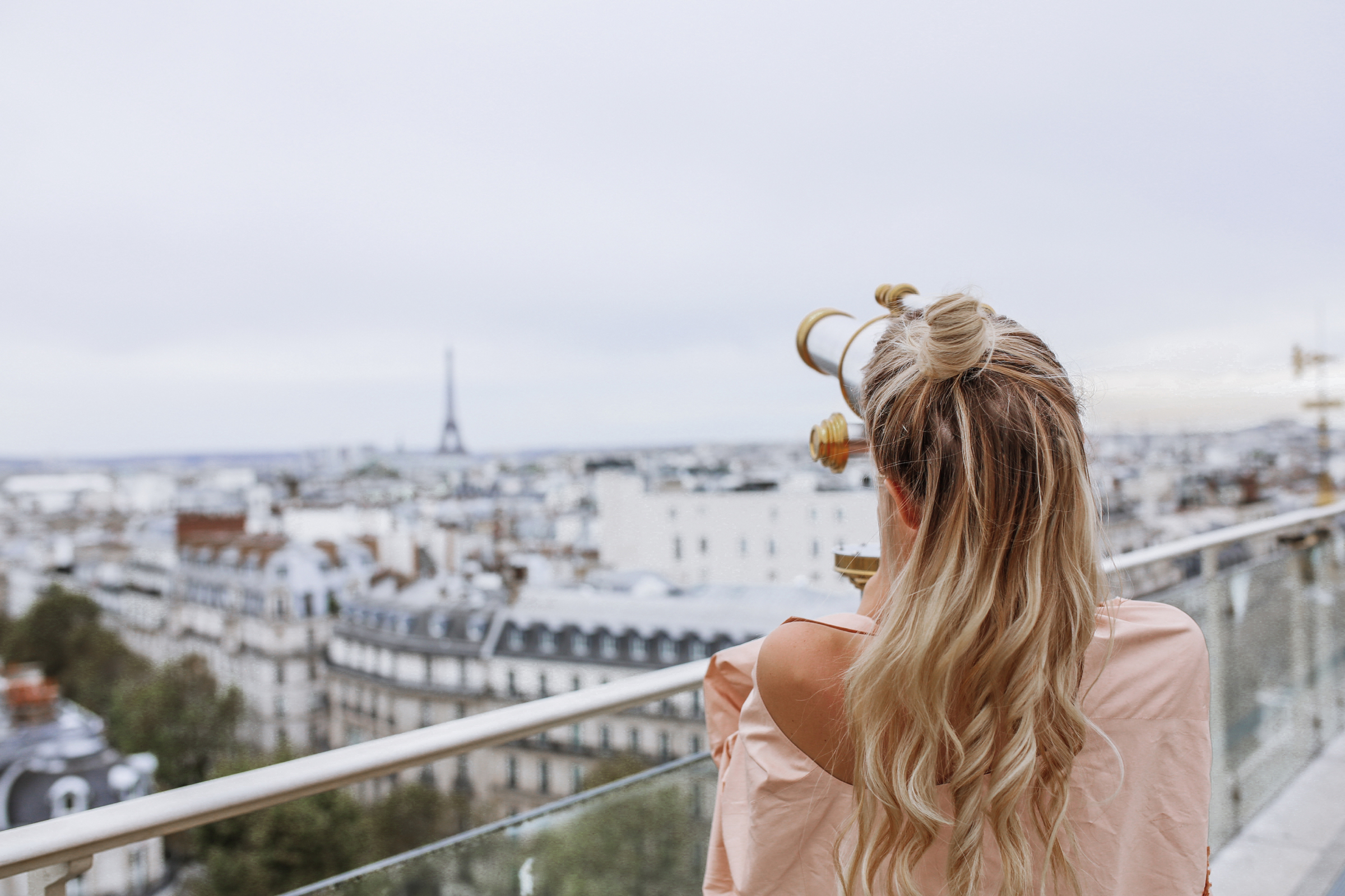 Girls who brunch   Paris