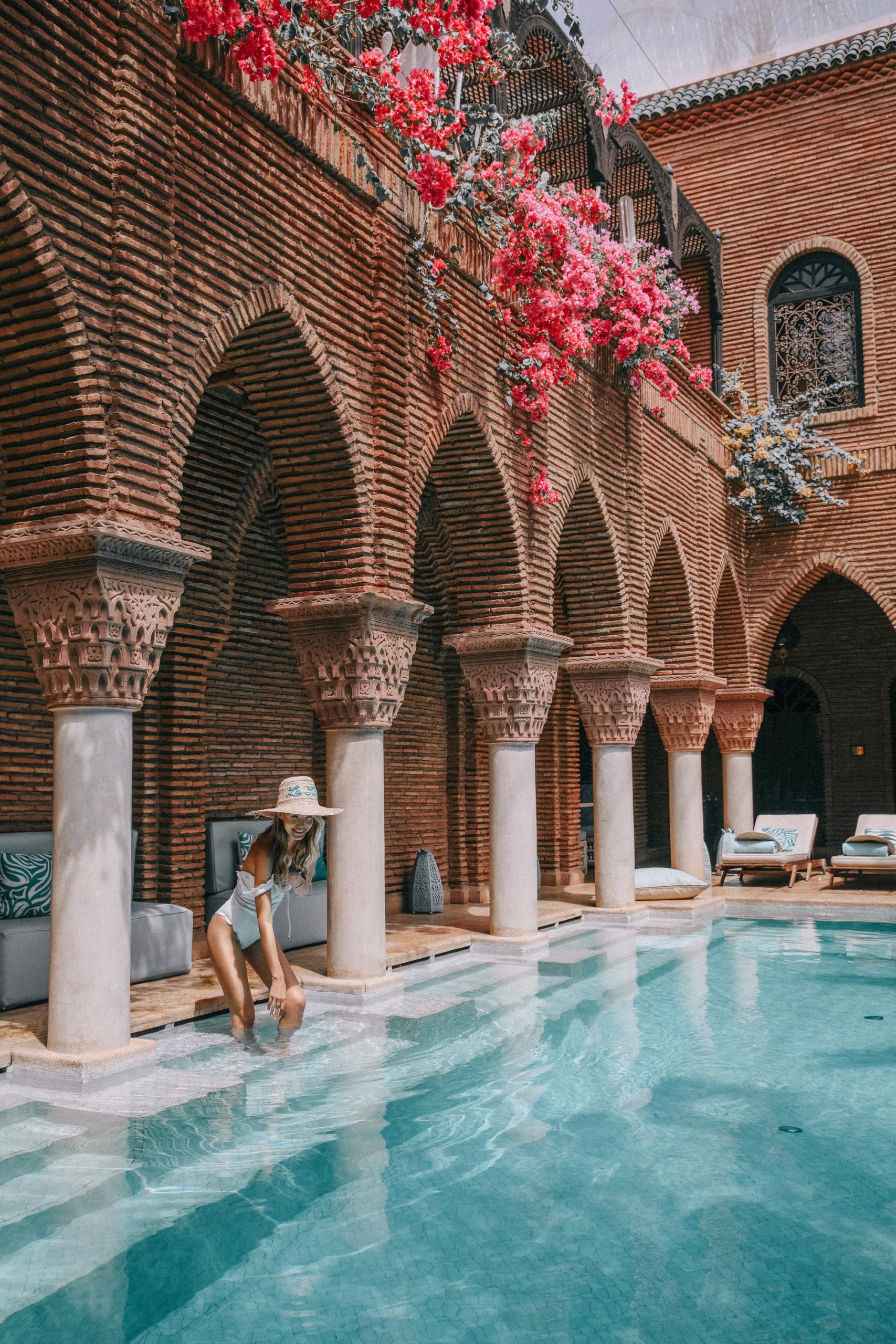 Leonie Hanne La Sultana pool Marrakech