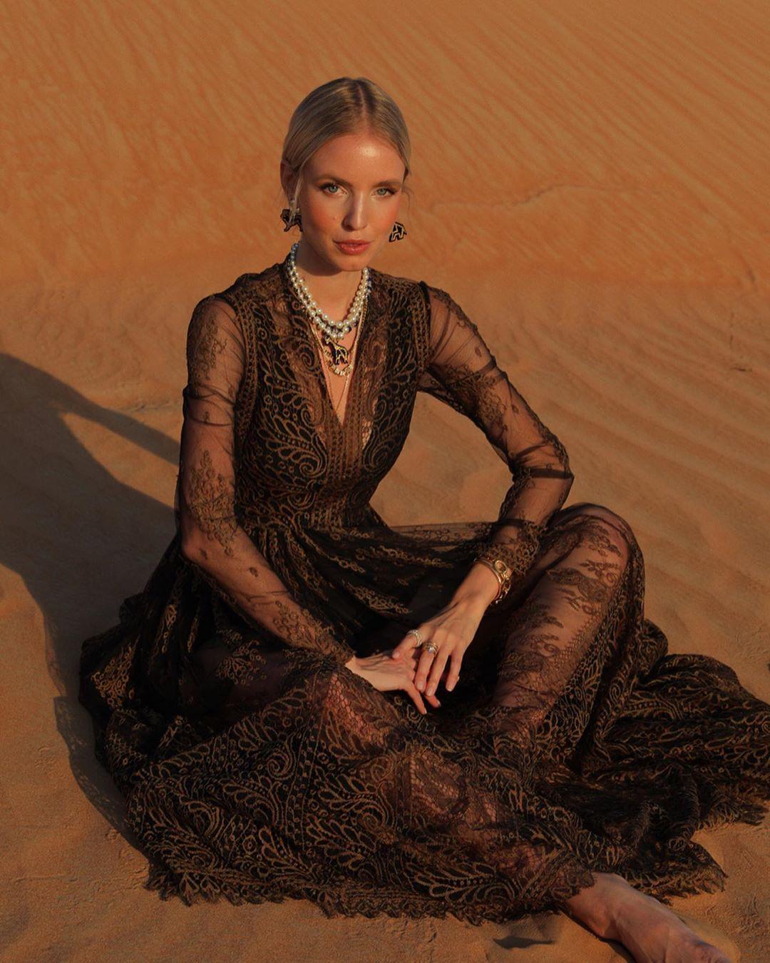 Leonie Hanne Desert Dubai