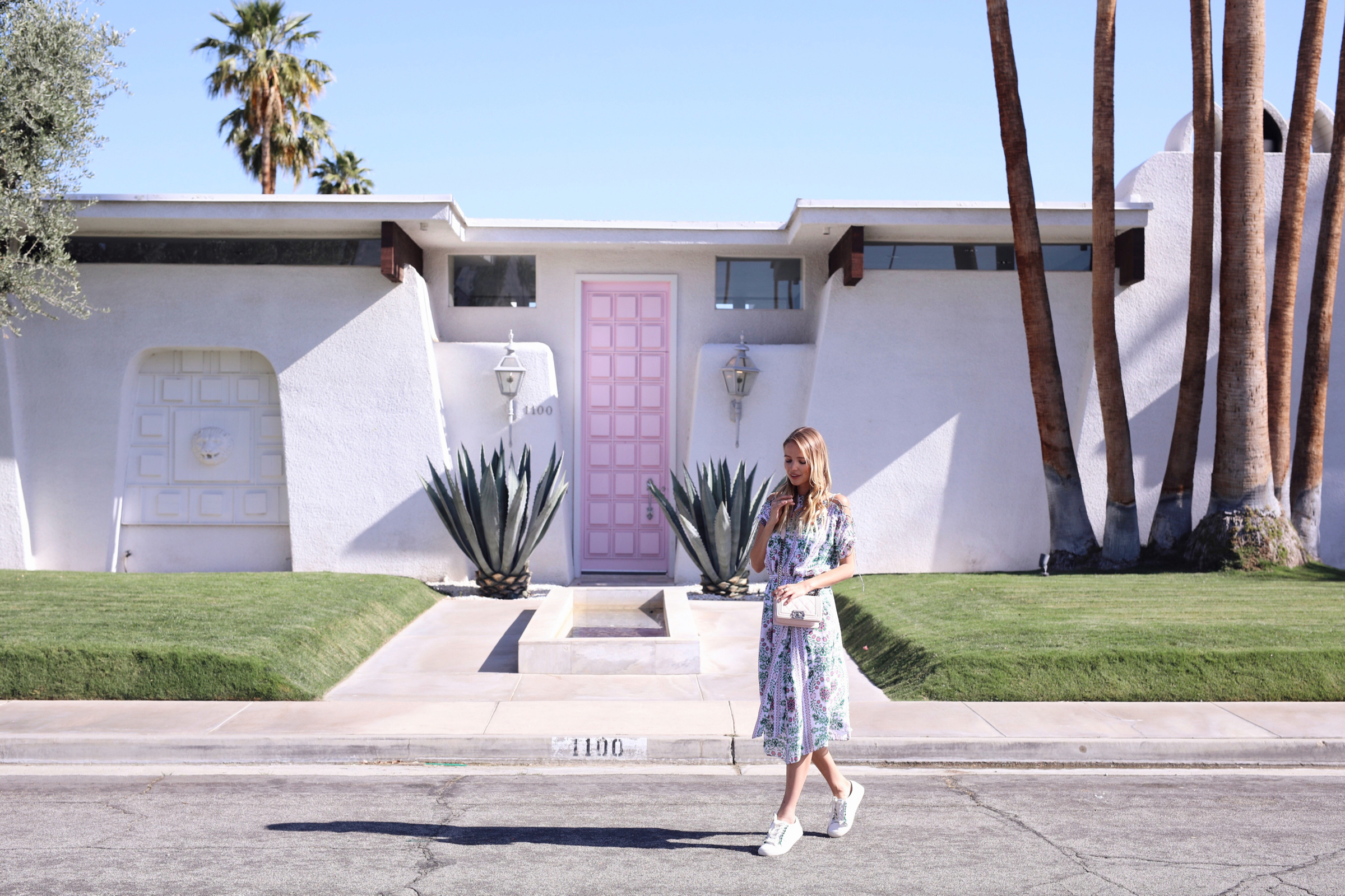 That pink door I Palm Springs