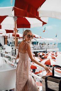 Leonie Hanne red and white Amalfi