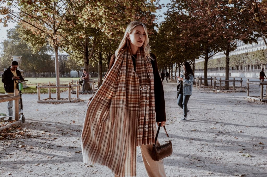 Leonie Hanne Acne scarf