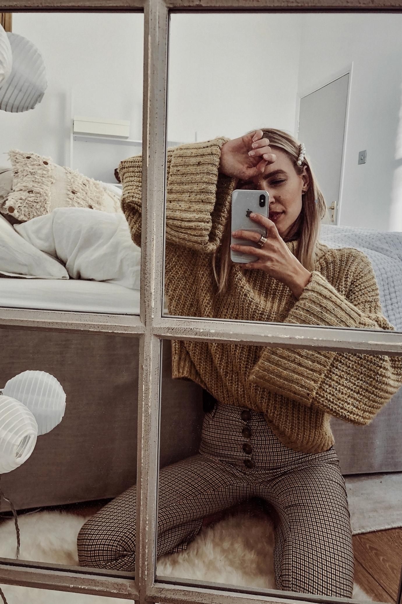 Leonie Hanne mirror