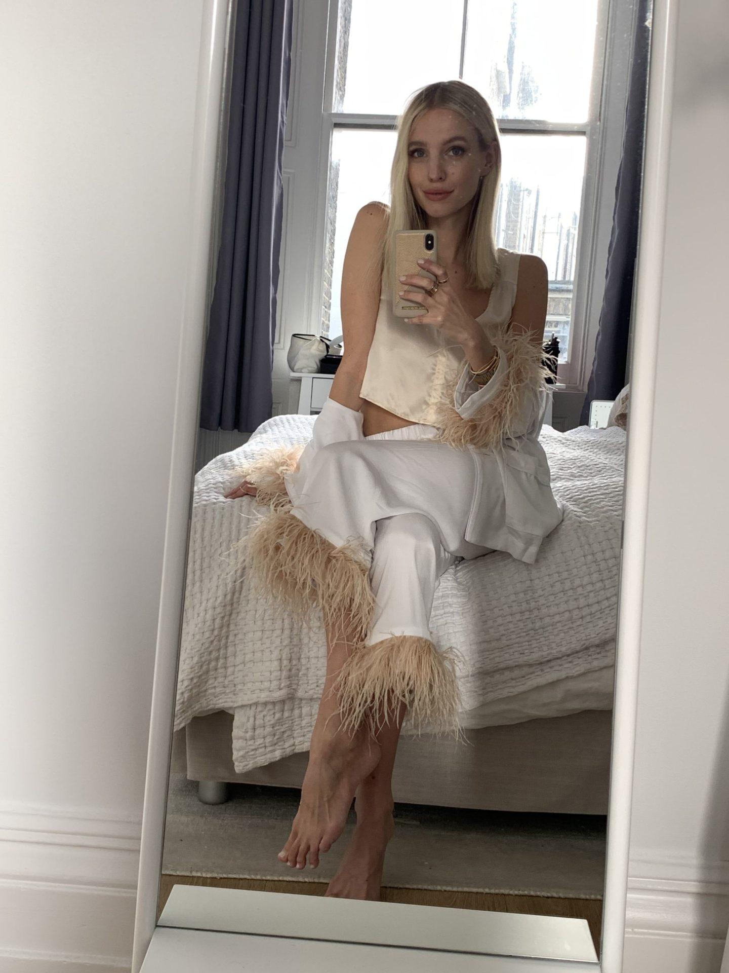 Leonie Hanne Feather pyjama outfit