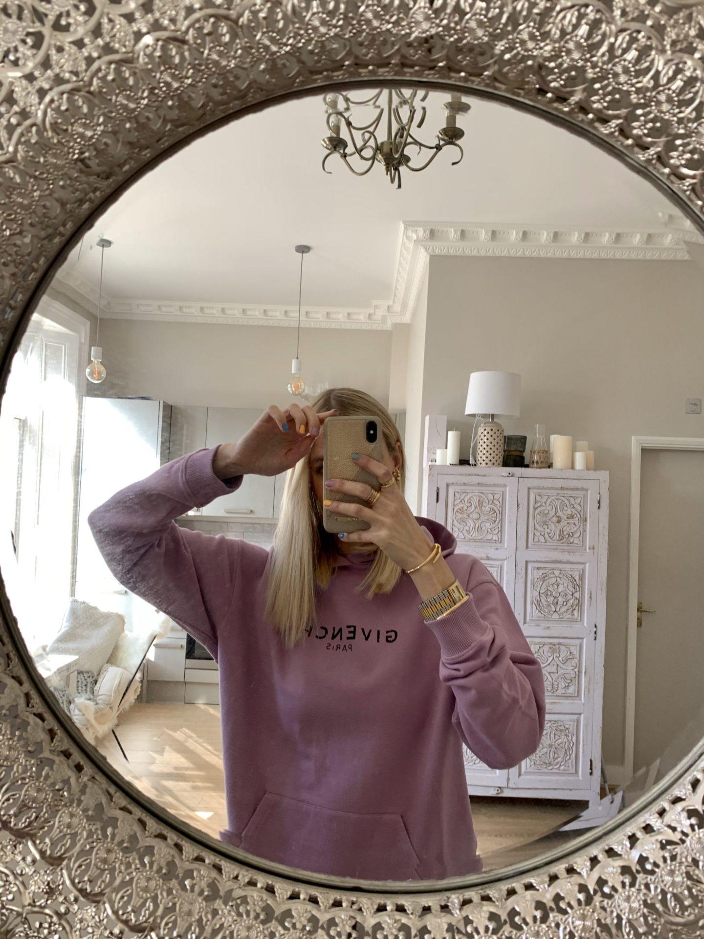 Leonie Hanne givenchy sweatshirt