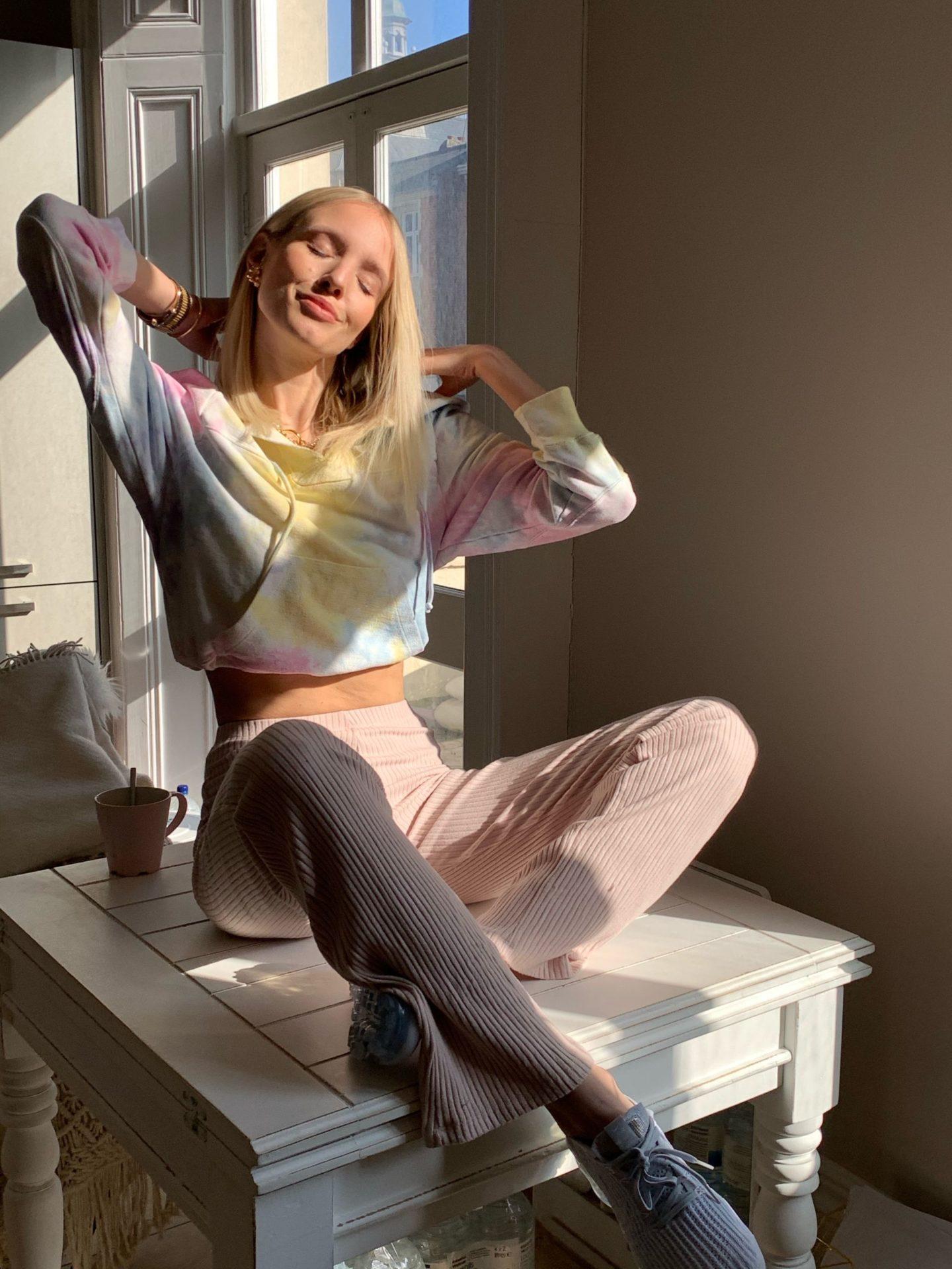 Leonie Hanne tie-die hoodie